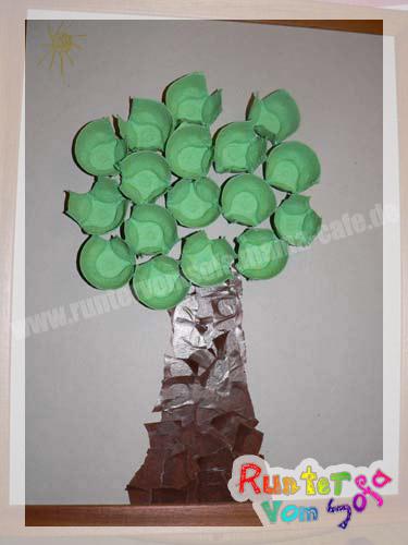 Herbstdeko basteln pappe herbst dekor ideen sind sch n und interessant f r Runter vom sofa